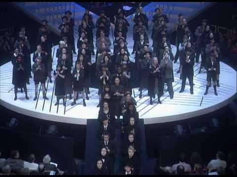05-Antonio Banderas-Oh What a Circus