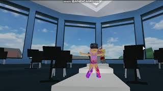 Radioaktive (weibliche Abdeckung) / robloxian High School / Roblox Tanzteam