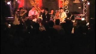 2011年11月27日(日)に、吉祥寺にて開催された尾崎豊のイベントライブ...