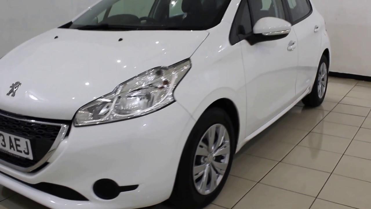 Peugeot 208 access plus white dresses