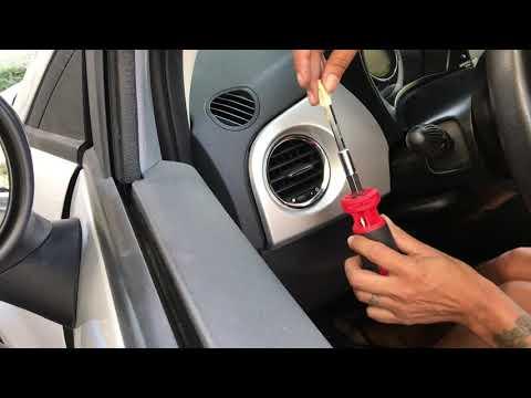 2012 Fiat Pop Dash Trim And Passenger Air Vent Removal- Part 2