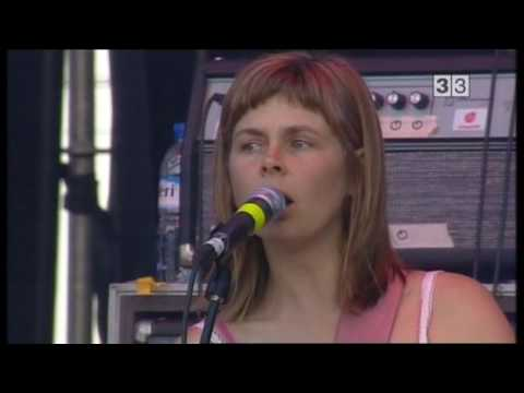 The Vaselines - Live in Spain 2009 - 01/14 - Son Of A Gun