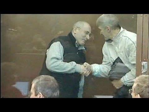 Putin to pardon jailed oil tycoon Mikhail Khodorkovsky