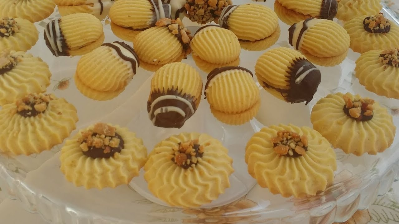 البيتي فور بالزبدة و الزيت مع بعض و ببيضة واحدة ذوق راااائع أهش منو ما فيه Youtube Desserts Food Butter Cookies