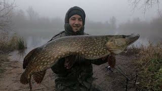 Pike Fishing with Dead Baits Gravel Pit Monster