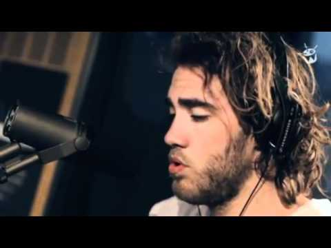 Клип Matt Corby - Lonely Boy (The Black Keys Cover)