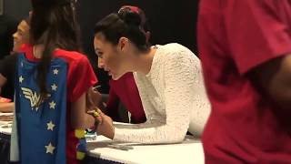 A little girl's tearfulness meeting with  Gal Gadot - she is the princess in real