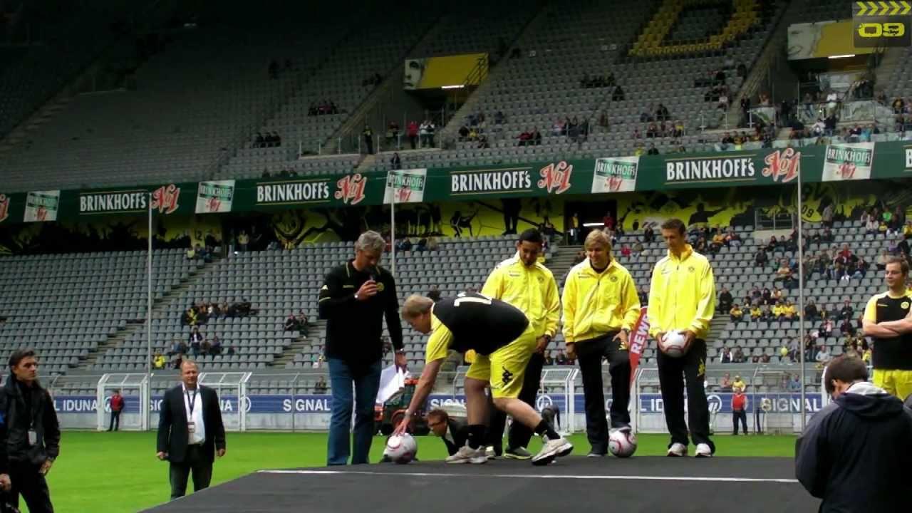 Mannschaft vs. Fans - Borussia Dortmund Saisonauftakt - BVB Familientag 03.07.11