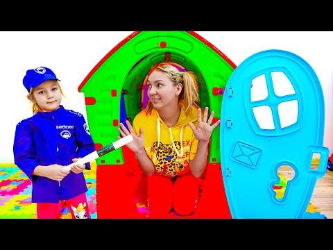 Алиса и Дима играют в полицейских