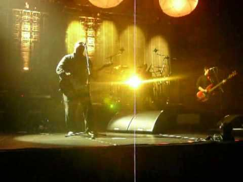 Pixies - Weird at my school (front row!)@ Hammerstein Ballroom NYC 11-26-2009 mp3