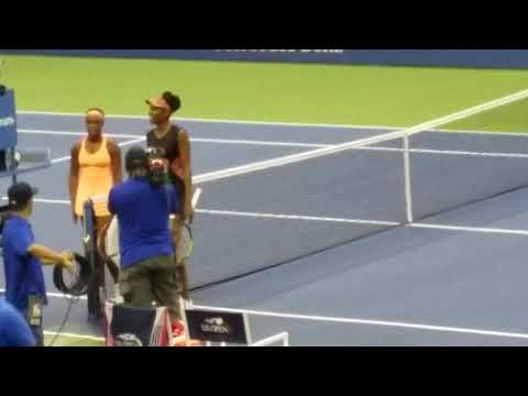 Crowd roars as Sloane Stephens defeats Venus Williams at US Open semifinals
