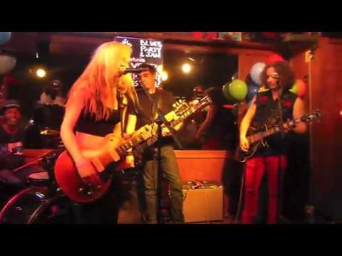 Leilani Kilgore~Damn Right I got the Blues~Jam at the Maui Sugar Mill