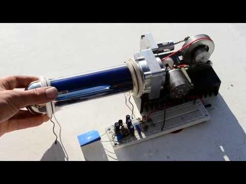 Self starting solar powered stirling engine