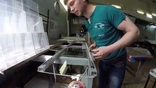 Как гнутся карманы из оргстекла(Компания Саммит. www.summit-nsk.ru. Мы делаем различные рекламные штуки, в том числе карманы из оргстекла., 2014-05-30T06:45:26.000Z)