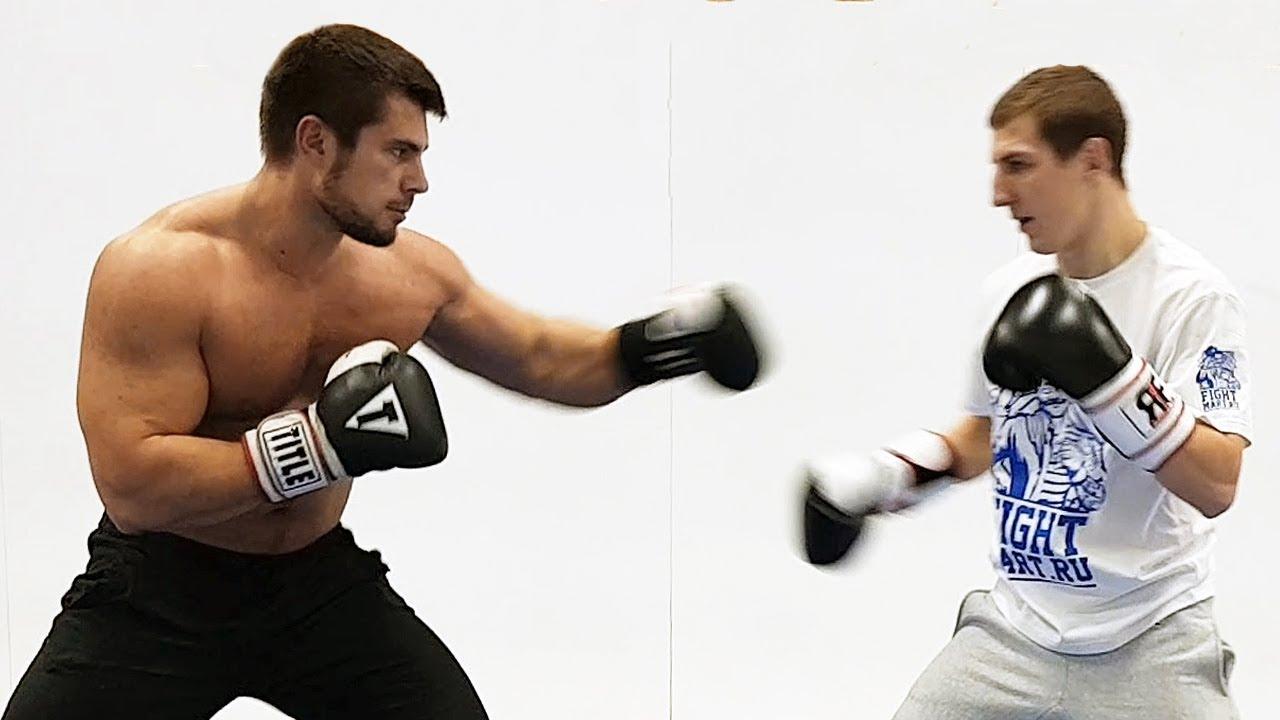 Качки пробуют вырубить боксера / Попробуй попади