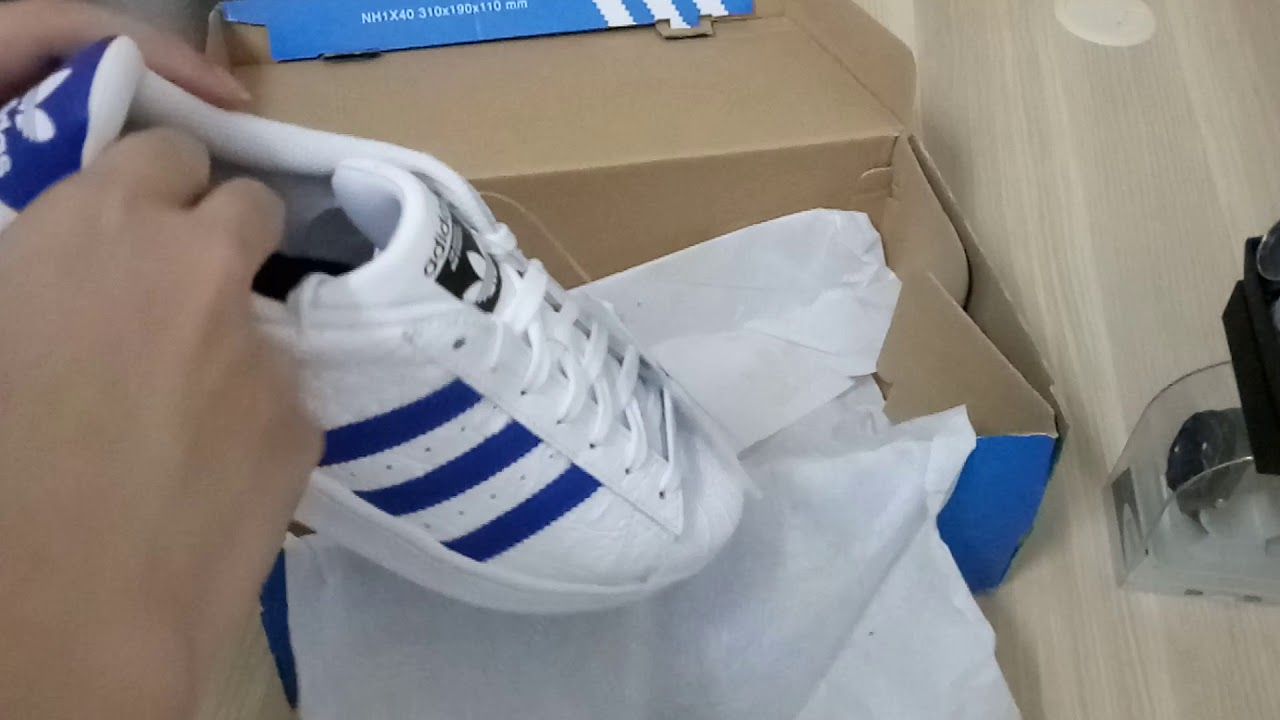 Unboxing Adidas Superstar white/blue