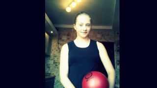 Как крутить мяч на пальце? (You're the best sports RG\Уроки гимнастики.)
