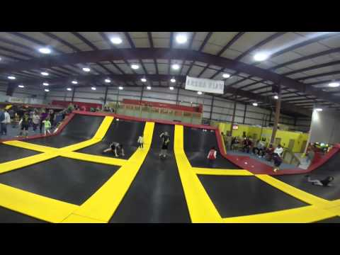 Jumpjam Coupons Knoxville. Coupons near me app. Free coupon app for iphone and android.