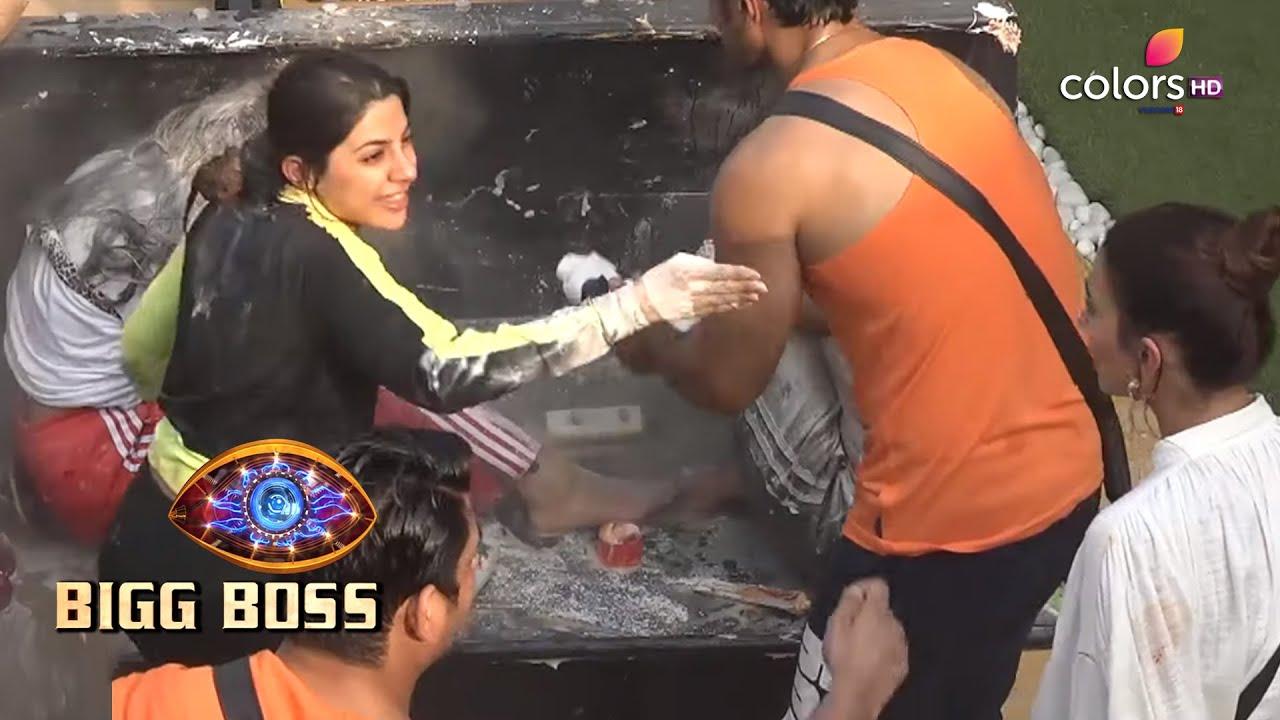 Download Bigg Boss S14 | बिग बॉस S14 | Gauahar Warns Nikki During The Task