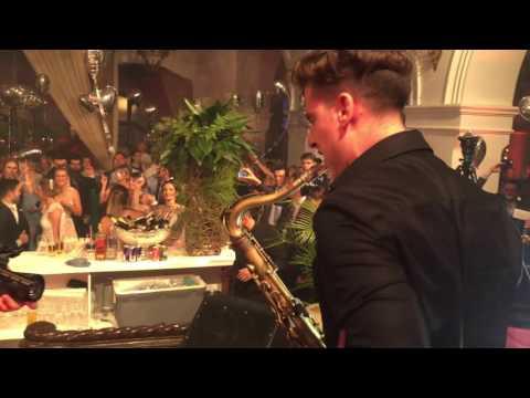 Justin Ward - Summer by Calvin Harris (Filous & Kitty Gorgi) Live in Brasil