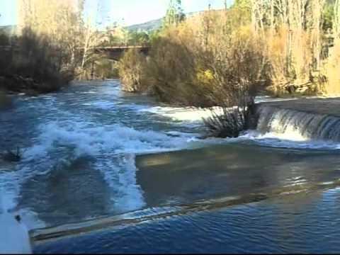 Piscina natural de ca amares youtube for Piscinas naturales de cuenca