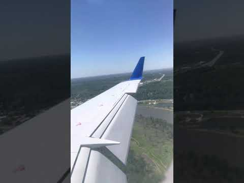 United CRJ200 STEEP SHORT FINAL APPROACH into Omaha NE! Nice views of airport upper left in screen.