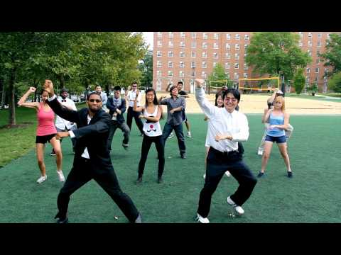 Everyone's doing Gangnam Style!
