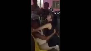 Download Video Ngakak abis !!! Kakek Genit Di Goyang Cewek Sange, Bucraaaat Deeeh MP3 3GP MP4