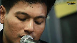 Rendy Pandugo - Edge Of The Heart (Traxkustik On Air 3 Kota)