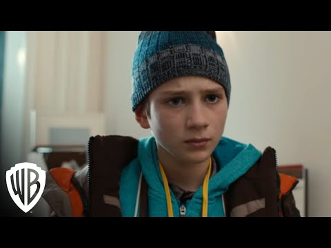Extremely Loud and Incredibly Close - Oskar Meets Abby Black