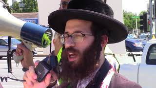 Rabbi speaking at Quds Day rally in the San Francisco Bay Area