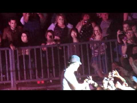 Enrique Iglesias - Do You Know(Ping Pong Song) - Odyssey Arena Belfast 19th March 2011