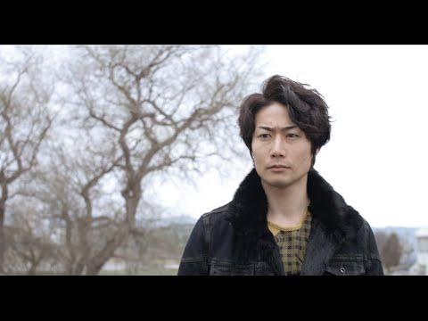 チームナックスのシゲこと戸次重幸が、旭川を舞台に木工モニュメントに取り組む映画『ホコリと幻想』