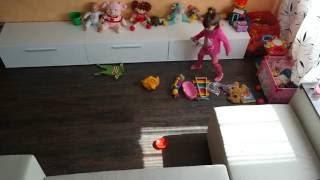 Из жизни прикольной трехлетней девочки и ее игрушек в ускоренном режиме Time lapse.