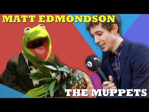 Matt Edmondson shows celebrities his pineapple at The Muppets Premiere
