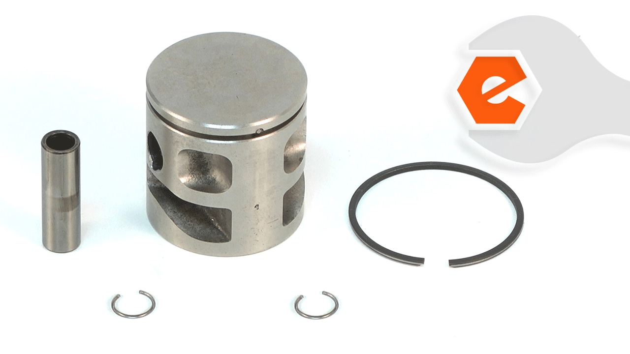 Chainsaw Repair - Installing the Piston Kit  Poulan Part   530071883