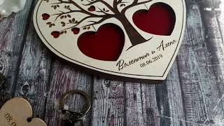 Personalized engraved wooden holder for wedding box. www.favos.club