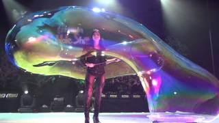 Melody Yang Gazillion Bubble Show