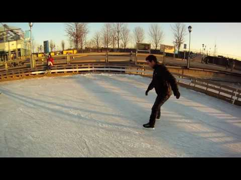Montreal - Ice Skating with friends