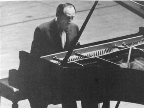 Horowitz plays Bach/Busoni Toccata, Adagio & Fugue BWV 564 (I)