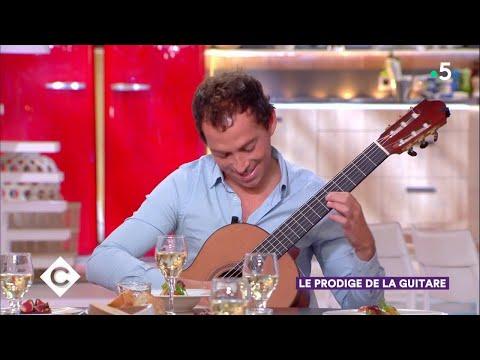 Thibault Cauvin, le prodige de la guitare ! - C à Vous - 28/09/2018