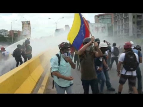 Venezuela: Fresh clashes at daily opposition protests