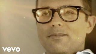 Frankie HI-NRG MC - Pugni In Tasca ft. Paola Cortellesi