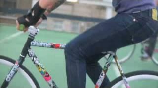 Fixed 2 - Juliet Elliott Fixed Gear London Girl Charge Bikes, tricks,Girls