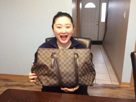 WIMB | What's In My Bag? Louis Vuitton Chelsea | Diaper bag edition