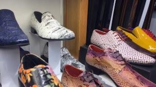 Жизнь и шоппинг в Турции: магазин мужской одежды. Яркая обувь одежда в Алании ????????Аланья Турция