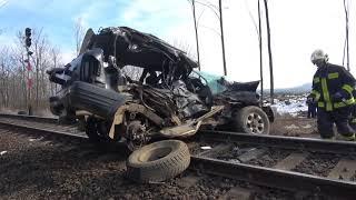 Opel Frontiera műszaki mentése halálos vonatbaleset után Nagysimonyinál