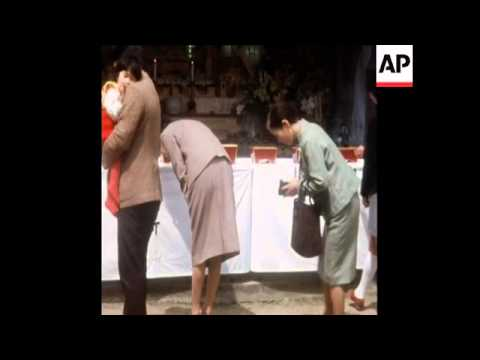 SYND 19/04/72 FUNERAL FOR NOBEL WINNER KAWABATA WHO COMMITTED SUICIDE