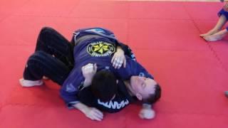 Неделя 3. Урок 2. Уход из бокового удержания в черепаху+проход в ноги.
