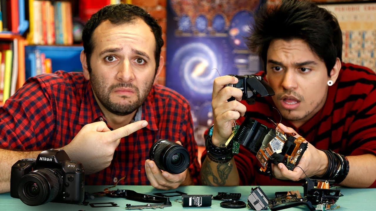 O que tem dentro de uma câmera antiga ft. GUSTA STOCKLER #OQueTemDentro ????Manual do Mundo